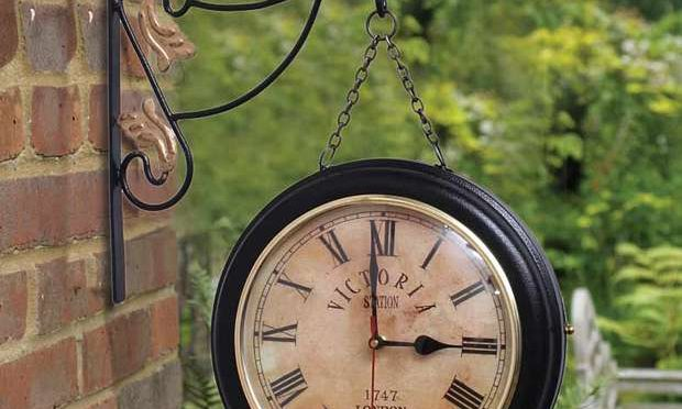 Trendy Ile Iron Black Two Sides Station Clock