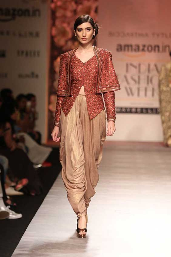 dhoti pants in India fashion week