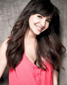 anushka-sharma-tresses-featured