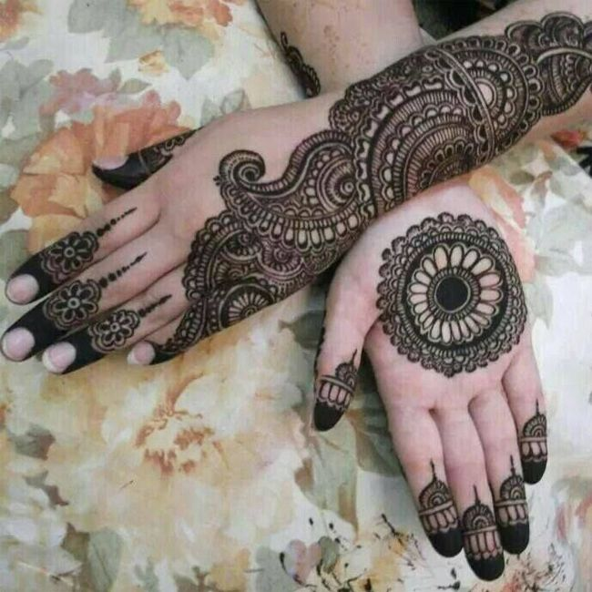 Image result for peacock mehandi designs हाथों में