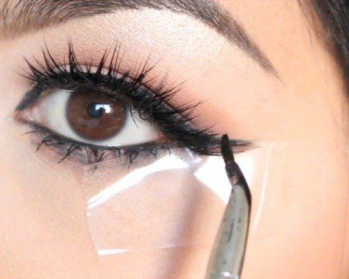 winged eyeliner using a tape