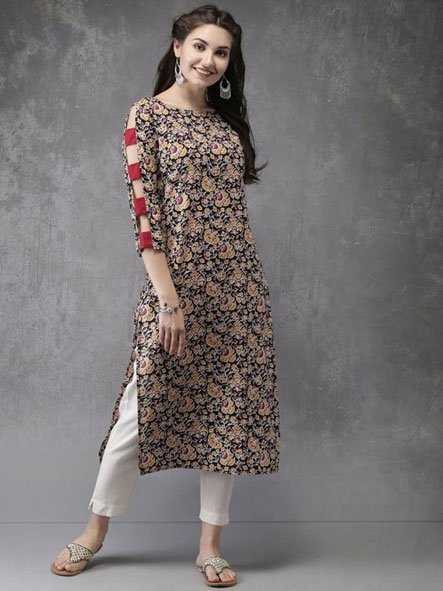 Kurti with Slit Sleeves, Contrasting Fabric