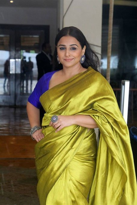 Vidya Balan wearing green saree with blue blouse