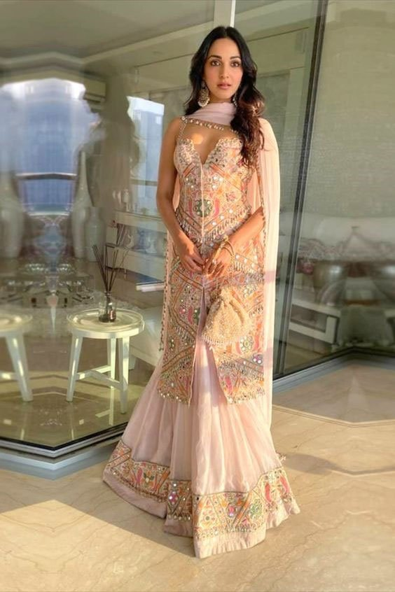 kiara advani in light pink suit